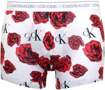 caleçon blanc et motif roses calvin klein